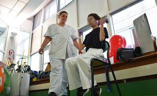 Séance de renforcement musculaire à l'hôpital Saint-Jacques.