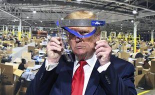 Donald Trump derrière une visière, le 21 mai 2020
