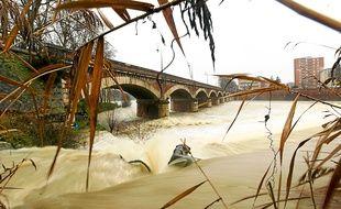 Il y a des risques de crues sur la Garonne toulousaine.