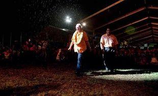 Le sénateur autonomiste Gaston Flosse, 81 ans, a largement remporté le premier tour des élections territoriales polynésiennes et se place donc en favori pour le second tour mais des tractations sont en cours pour tenter de lui faire barrage.