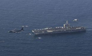 Le porte-avions USS Abraham Lincoln