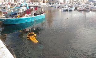 Le jellyfishbot va très prochainement assurer le nettoyage du port de Cassis