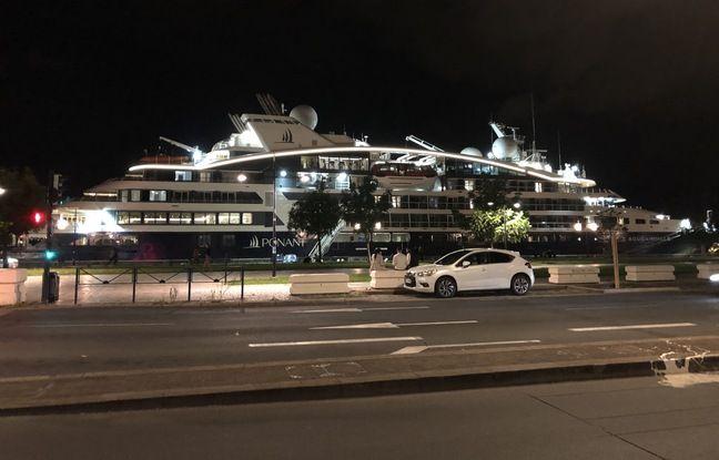 Le Bougainville, qui était dans le port de la lune ce week-end a eu une visite de la police pour tapage samedi soir.