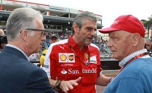 Niki Lauda (à droite), et le patron de Ferrari, Maurizio Arrivabene.