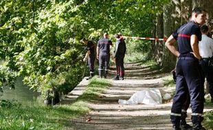 Lille, le 27 septembre 2011. Le corps d'un jeune homme de 19 ans a été repêché aux alentours de 12h30 dans un bras de la Deule près du Bois de Boulogne. Il s'agit de Lloyd Andrieu, étudiant à l'Université Catholique de Lille qui avait disparu dans la soirée du 22 septembre.