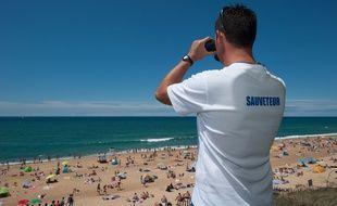 Les sauveteurs de plage sont particulièrement vigilants en période estivale.
