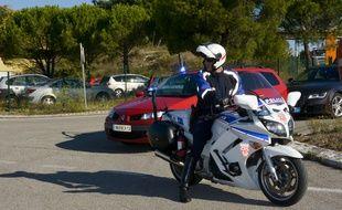 Un motard de la police à Septèmes-les-Vallons, en juin 2018 (illustration).