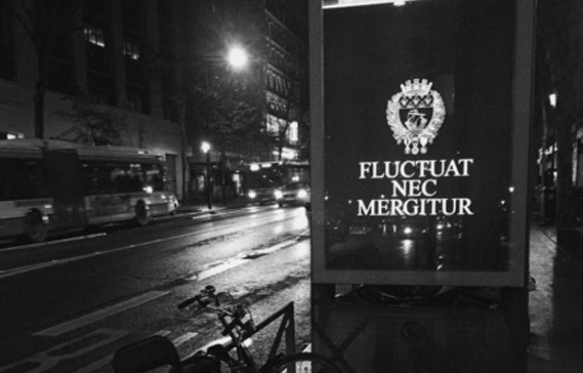 440 affiches comme celles-ci seront visibles jusqu'à la fin de la semaine dans les rues de Paris. – Instagram / Norbert_Goff