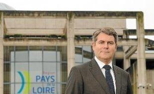 Franck Louvrier, ce lundi, devant l'Hôtel de région des Pays de la Loire.