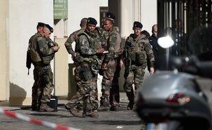 Une voiture a foncé sur des militaires de l'opération Sentinelle mercredi 9 août 2017 à Levallois-Perret (Hauts-de-Seine), faisant six blessés.