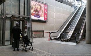 Strasbourg: Les escalators toujours à l'arrêt, c'est encore la galère à la gare