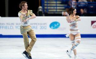Nathalie Péchalat et Fabian Bourzat ont été impressionnants pour devenir les premiers Français de l'Histoire à conserver leur titre en danse sur glace lors des Championnats d'Europe de patinage artistique, vendredi à Sheffield.