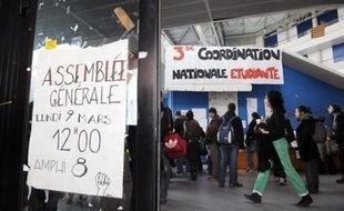 La mobilisation universitaire, entrée dans sa sixième semaine, semblait mardi ne pas faiblir, une majorité d'universités étant en grève ou bloquées, selon les remontées des bureaux de l'AFP.