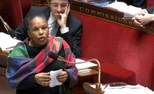 La ministre de la Justice Christiane Taubira, dans la nuit du 7 au 8 février 2013 à l'Assemblée nationale à Paris.