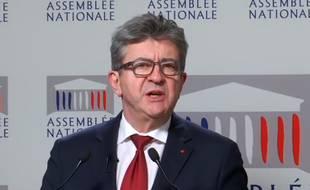 Jean-Luc Mélenchon réagit aux annonces d'Emmanuel Macron, en direct de l'Assemblée nationale, le 10 décembre 2018.