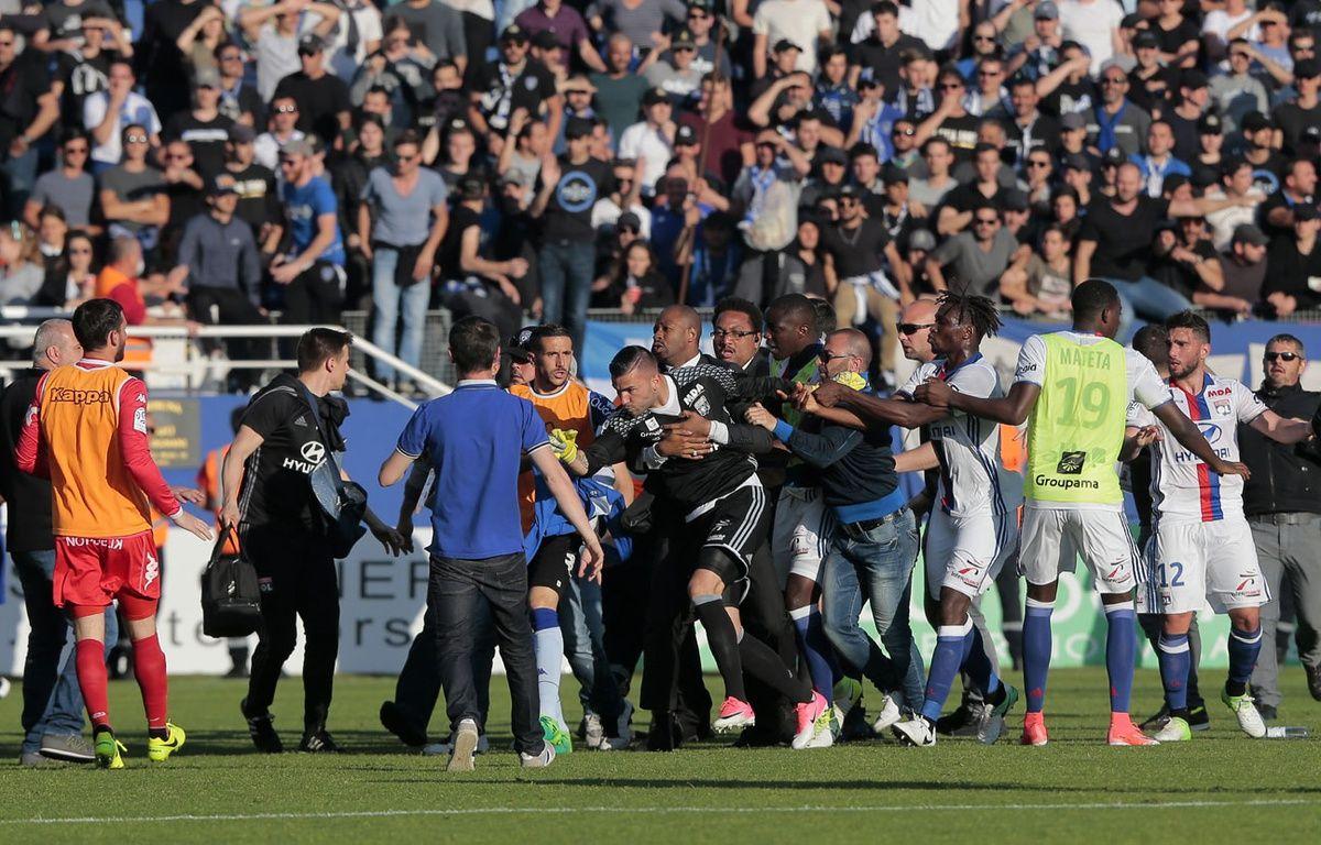 Anthony Lopès et les Lyonnais agressés à Bastia – AFP