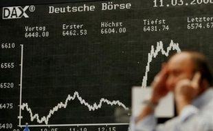 Wall Street et les Bourses européennes ont connu un net mouvement de recul jeudi en raison des craintes agitant le secteur financier et une flambée du pétrole au delà des 140 dollars, certaines places s'affichant désormais en baisse de plus de 20% depuis le début de l'année.