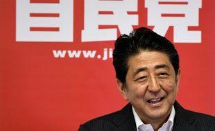 le Premier ministre japonais Shinzo Abe a annoncé mercredi un plan de relance massif de plus de 28.000 milliards de yens (240 milliards d'euros) pour soutenir la troisième économie du monde,