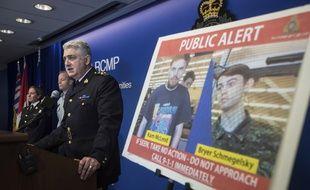 La police canadienne présente les photos des deux suspects en fuite.
