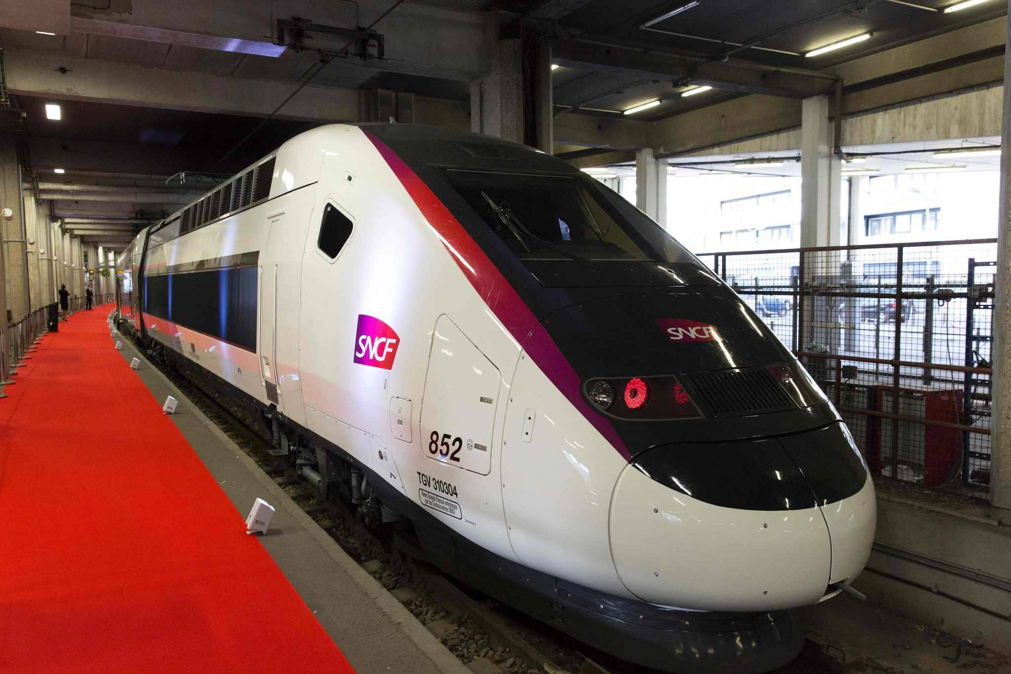 Train Paris Bordeaux from 20 - Timetable & Tickets