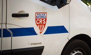 Illustration d'un véhicule de CRS.