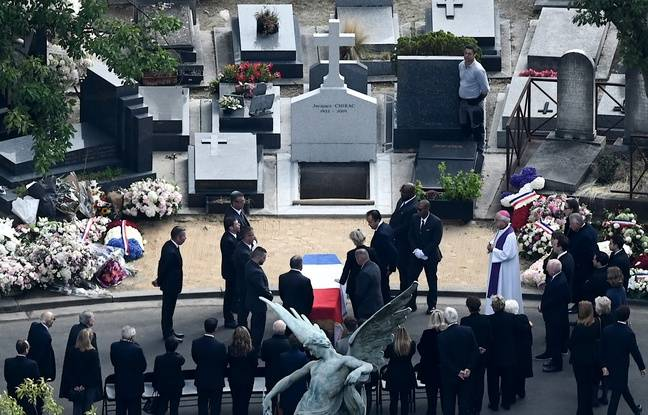 L'ancien président Jacques Chirac a été inhumé dans la plus stricte intimité, aux côtés de sa fille Laurence, décédée en 2016.