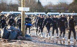 Opération de démantèlement de la jungle à Calais