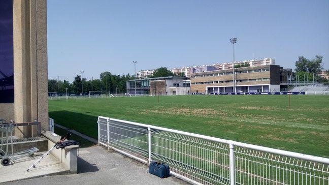 La pelouse d'entraînement d'un club de Ligue 1, le 22 juin 2017 à Toulouse.