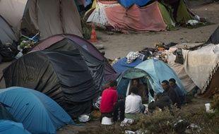 Des migrants dans la Jungle de Calais.