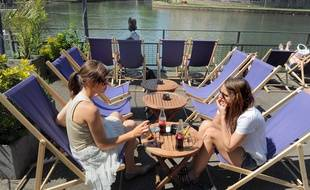 Les terrasses de Strasbourg sont de nouveau bien occupées lors de ces journées ensoleillées. (Illustration)