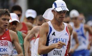 Le Français Yohann Diniz, double champion d'Europe du 50 km marche, a amélioré dimanche son record de France du 20 km, en 1 heure 17 minutes 43 secondes, en prenant la 2e place de l'épreuve de Lugano (Suisse) derrière l'Italien Alex Schwazer (1h17:30.)
