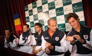 L'équipe de France de Coupe Davis entame sa campagne 2008 par un match largement à sa portée vendredi en Roumanie: avec Gasquet, Tsonga, un double rutilant et des joueurs comme Simon, Mathieu et Monfils en réserve, son potentiel impressionne.