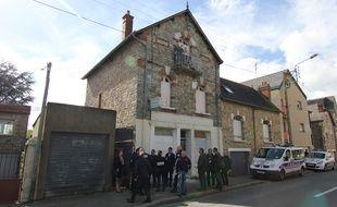 L'avocate des occupants et un policier avaient pu pénétrer dans la maison de Maryvonne, rue de Châtillon.
