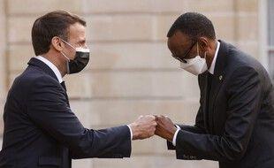 Emmanuel Macron et Paul Kagamé, le président rwandais, à l'Elysée, le 17 mai 2021.