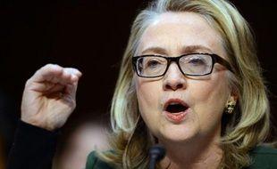 La secrétaire d'Etat américaine Hillary Clinton a lancé mercredi une mise en garde face au risque terroriste islamiste en Afrique du Nord, lors de son audition devant le Congrès sur l'attentat contre le consulat américain de Benghazi en septembre dernier.