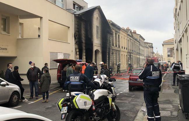 La configuration des lieux a rendu l'intervention des pompiers très compliquée.