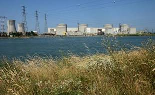 La décision de prolonger de 10 ans la durée de vie des centrales nucléaires françaises, pour qu'elle passe de 40 à 50 ans, est prise et devrait être annoncée bientôt, affirme le Journal du Dimanche.