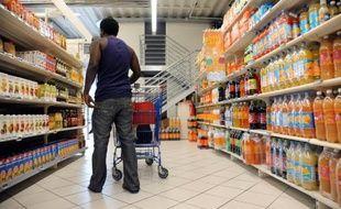 Un Français jette en moyenne 20 kg de nourriture par an, dont 7 kg de produits encore sous emballage. Une dépense inutile de 400 euros par an et par ménage.