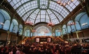 La vente de la collection rassemblée pendant 50 ans par Yves Saint Laurent et Pierre Bergé est devenue, dès le premier soir d'enchères lundi soir, la plus importante dispersion d'une collection privée au monde, avec plusieurs records à la clé pour des artistes modernes.