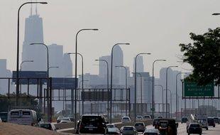 La pollution trouble le panorama des gratte-ciels de Chicago, le 9 juillet 2020.