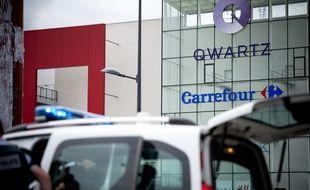 Une prise d'otages s'est produite le 13 juillet 2015 au magasin Primark de Villeneuve-la-Garenne (Hauts-de-Seine).