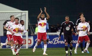 L'attaquant français des Red Bull New York, Thierry Henry, fêtant un but contre Washington DC, le 21 avril 2011.