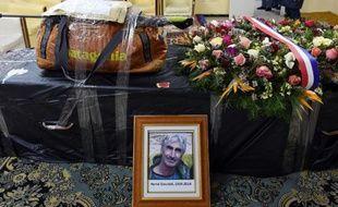 Le cercueil de Hervé Gourdel, le 26 janvier 2015, peu avant son départ d'Algérie pour la France