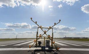 Une piste fermée à l'aéroport de Roissy, en mai 2020.