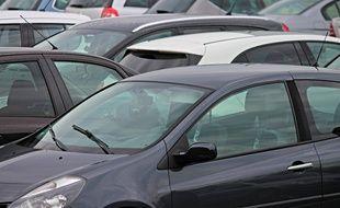 Des voitures dans un parking,illustration