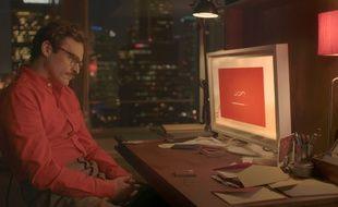 Joaquin Phoenix tombe amoureux d'un système d'exploitation dans le film