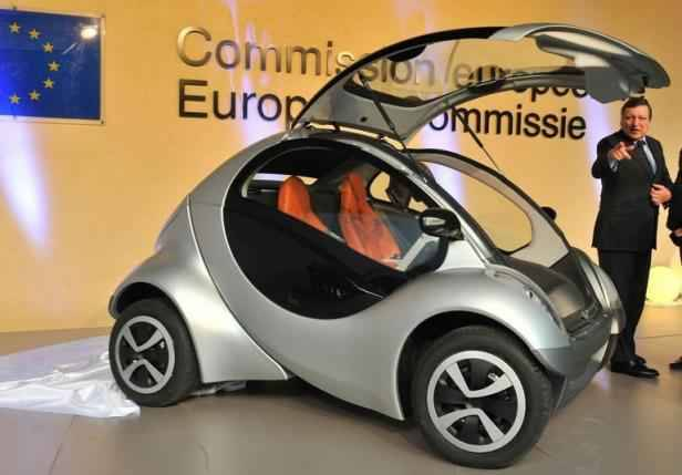 hiriko une voiture lectrique pliable pour des villes sans pollution. Black Bedroom Furniture Sets. Home Design Ideas