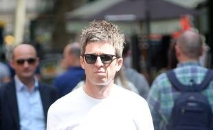 Le chanteur Noel Gallagher dans les rues de Londres