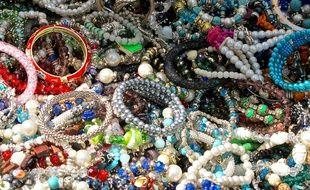 La Répression des fraudes a mené une enquête dans le secteur des bijoux fantaisies (illustration).