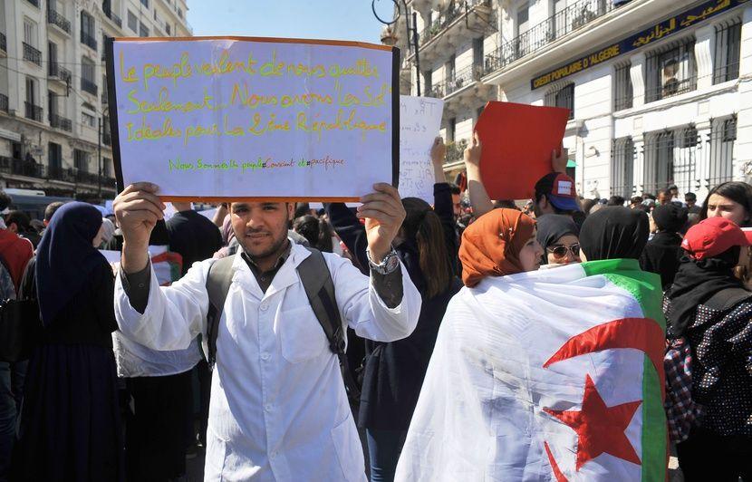 Algérie: Manifestations monstres pour le premier vendredi post-Bouteflika